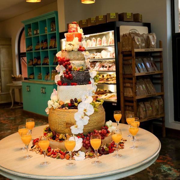 http://cremalat.co.za/wedding-cake/